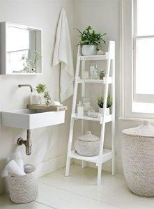 ladder interieur - ladder met bakjes badkamer